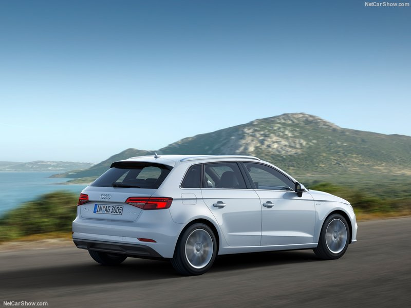 Audi-A3_Sportback_g-tron-2017-800-0a