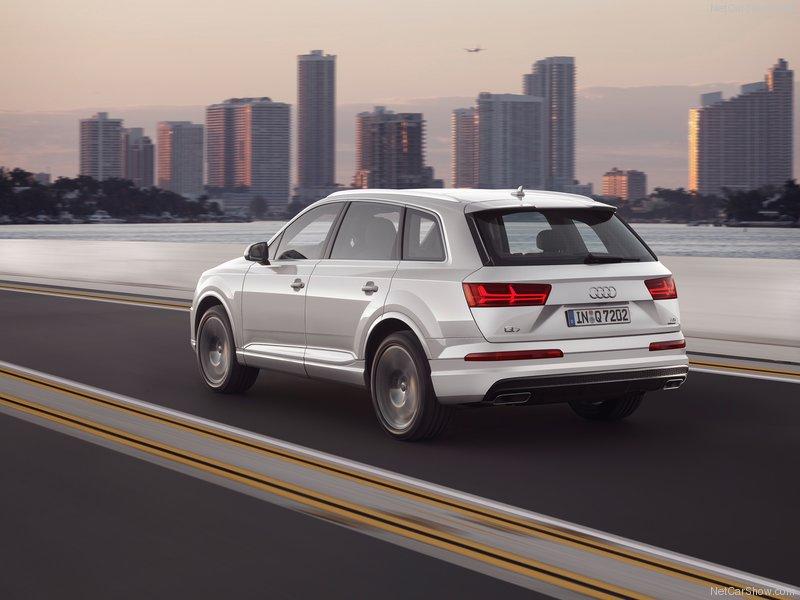 Audi-Q7-2016-800-2f