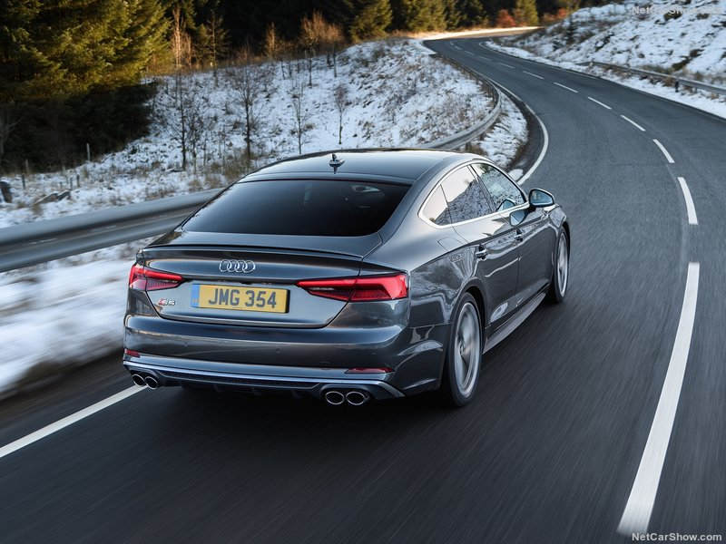 Audi-S5_Sportback-2017-800-3d