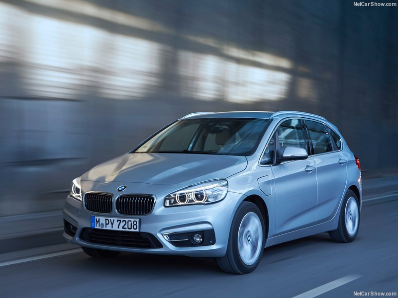BMW-225xe_Active_Tourer-2016-800-0d