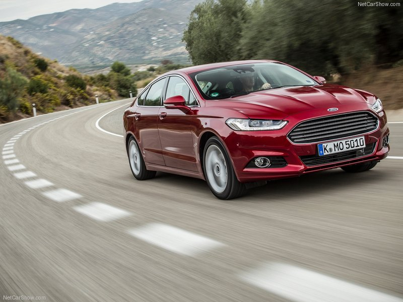 Ford-Mondeo-2015-800-0a