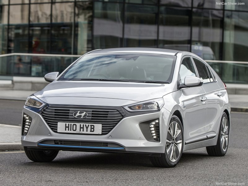 Hyundai-Ioniq_UK-Version-2017-800-07