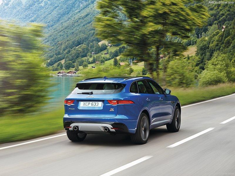 Jaguar-F-Pace_S-2017-800-57