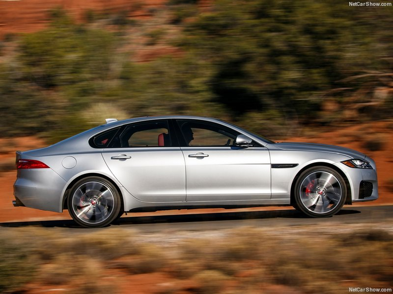 Jaguar-XF_US-Version-2016-800-2d
