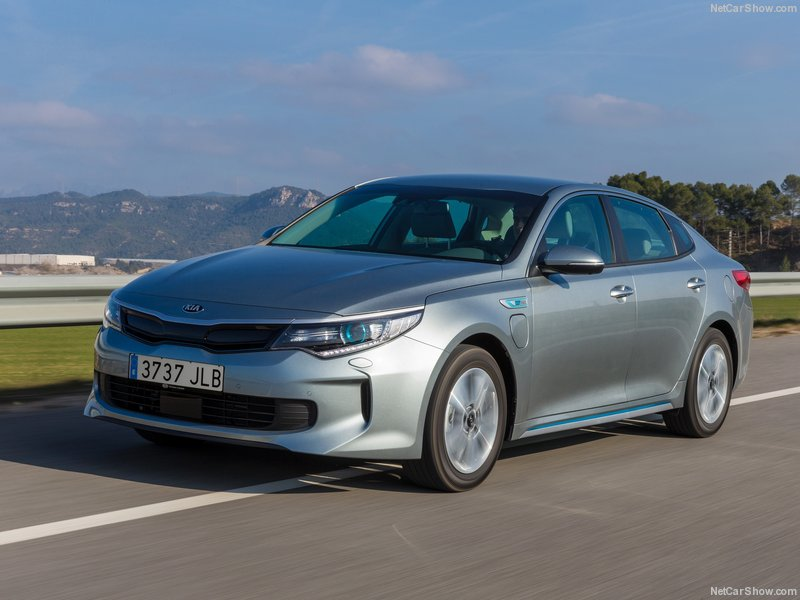 Kia-Optima_Plug-In_Hybrid_EU-Version-2017-800-06