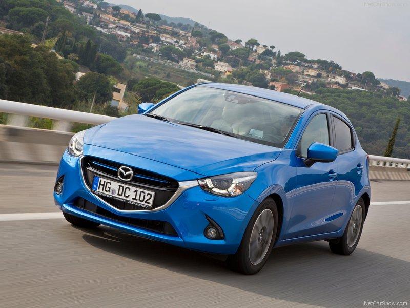 Mazda-2-2015-800-46