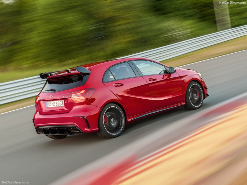 Mercedes-Benz-A45_AMG_4Matic-2016-800-11