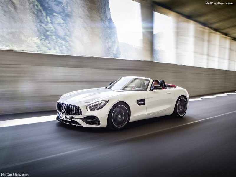 Mercedes-Benz-AMG_GT_Roadster-2017-800-08