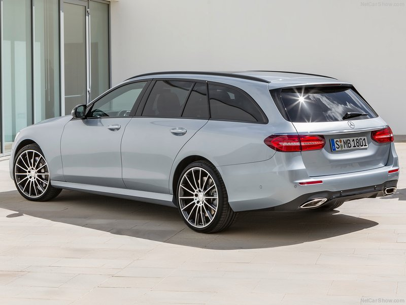 Mercedes-Benz-E-Class_Estate-2017-800-18