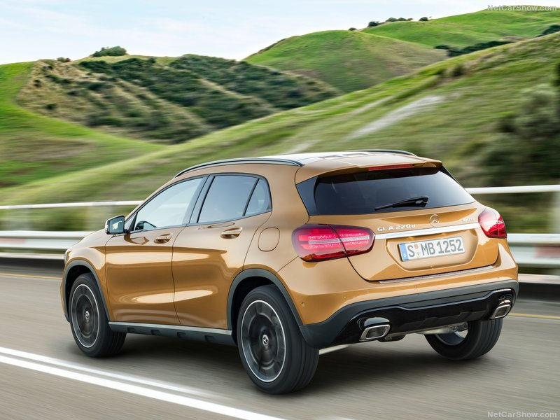 Mercedes-Benz-GLA-2018-800-18