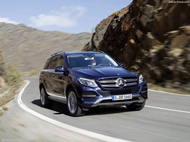 Mercedes-Benz-GLE-2016-800-11