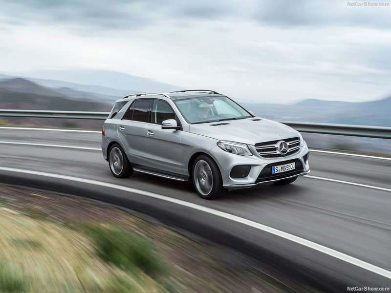 Mercedes-Benz-GLE-2016-800-14