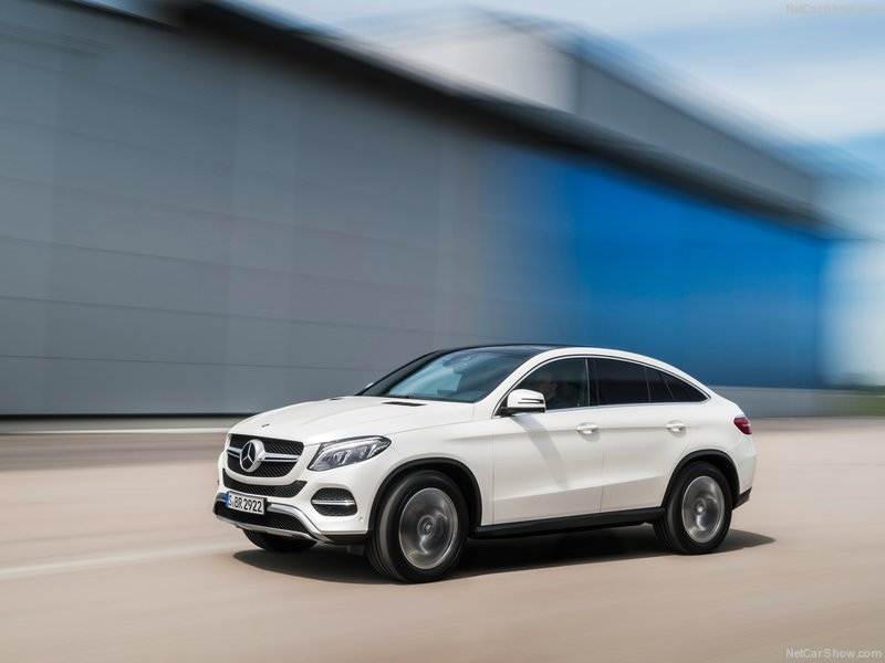 Mercedes-Benz-GLE_Coupe-2016-800-03