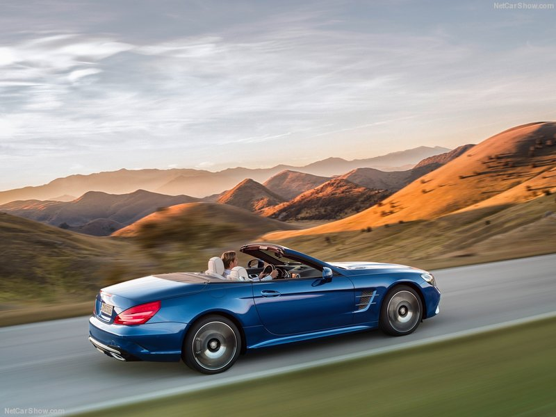Mercedes-Benz-SL-2017-800-0d