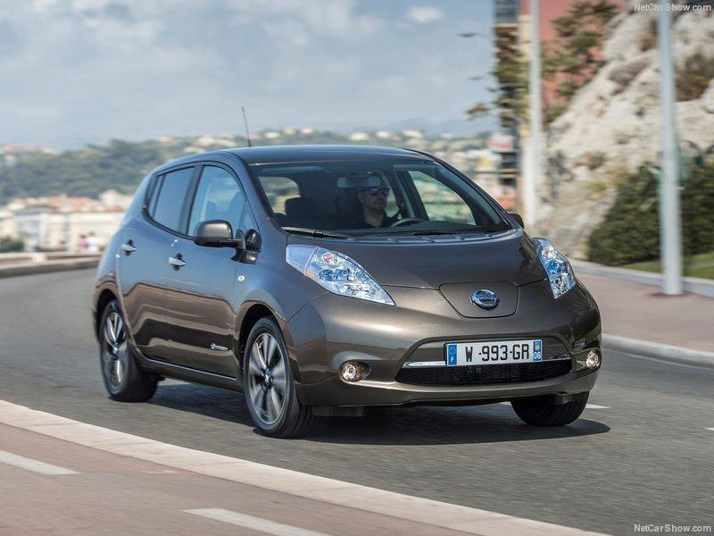 Nissan-Leaf_30_kWh-2016-800-05
