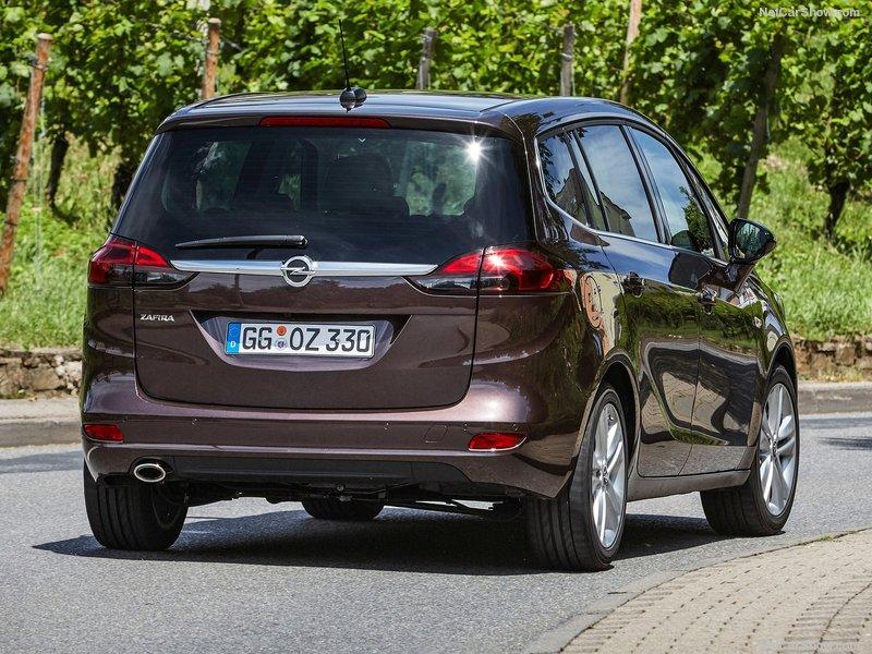 Opel-Zafira-2017-800-2b