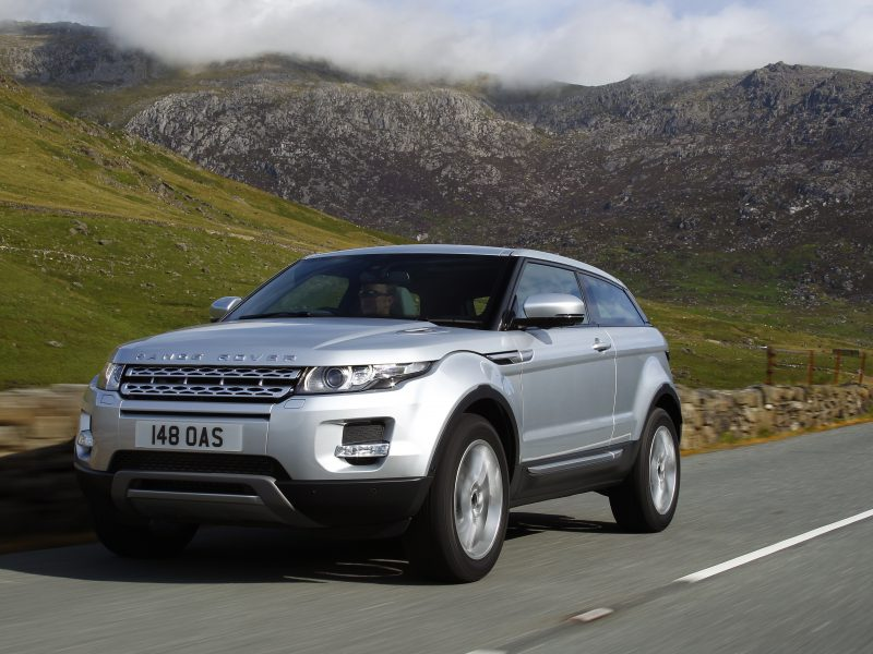 Range-Rover-Evoque-in-motion