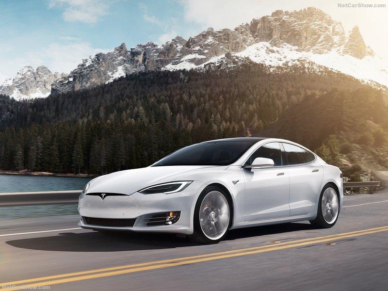 Tesla-Model_S-2017-800-01