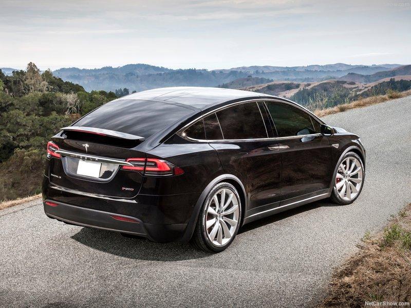 Tesla-Model_X-2017-800-0e