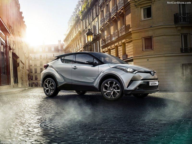 Toyota-C-HR-2017-800-07