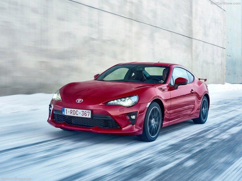 Toyota-GT86-2017-800-10