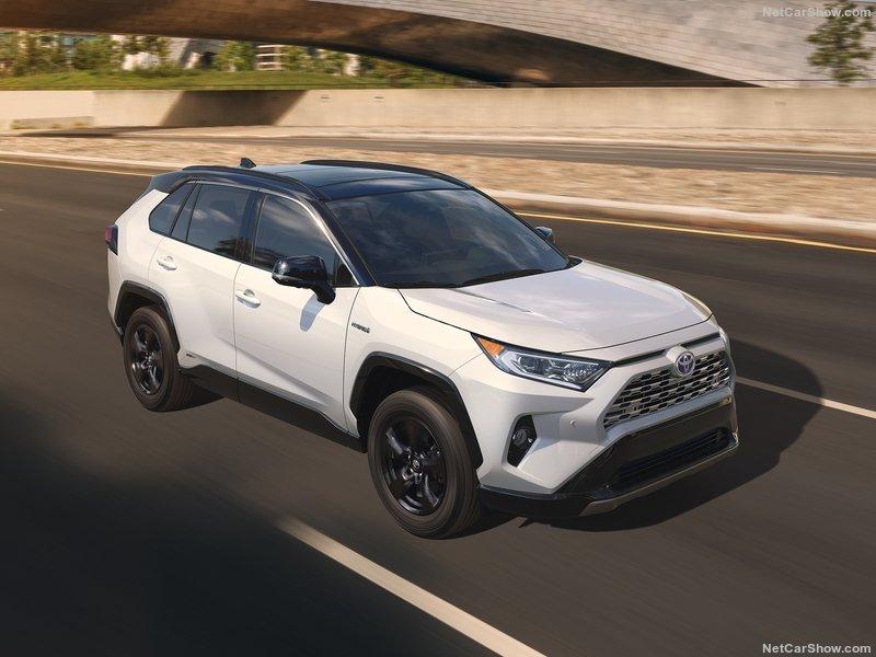 Toyota-RAV4-2019-800-07