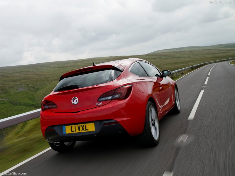 Vauxhall-Astra_GTC-2012-800-22