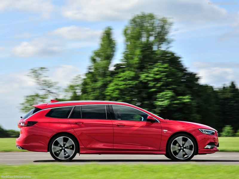 Vauxhall-Insignia_Sports_Tourer-2018-800-07