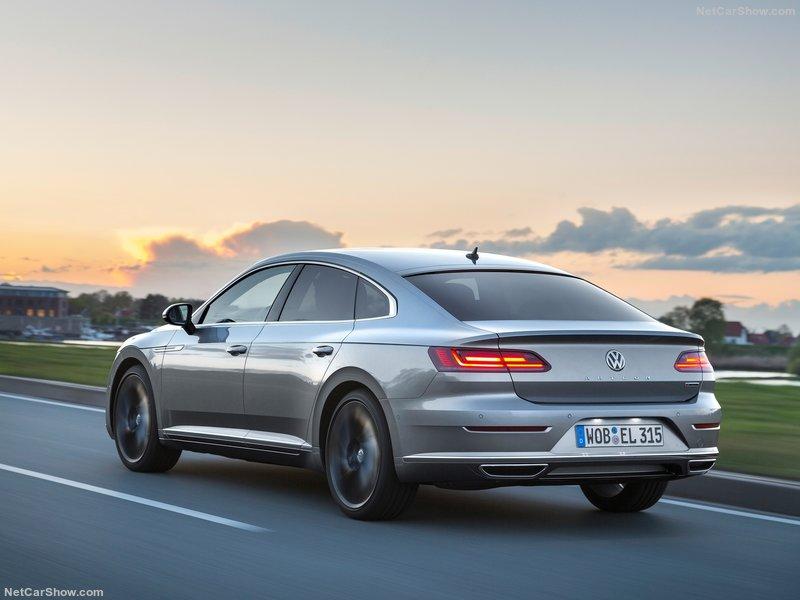 Volkswagen-Arteon-2018-800-2b