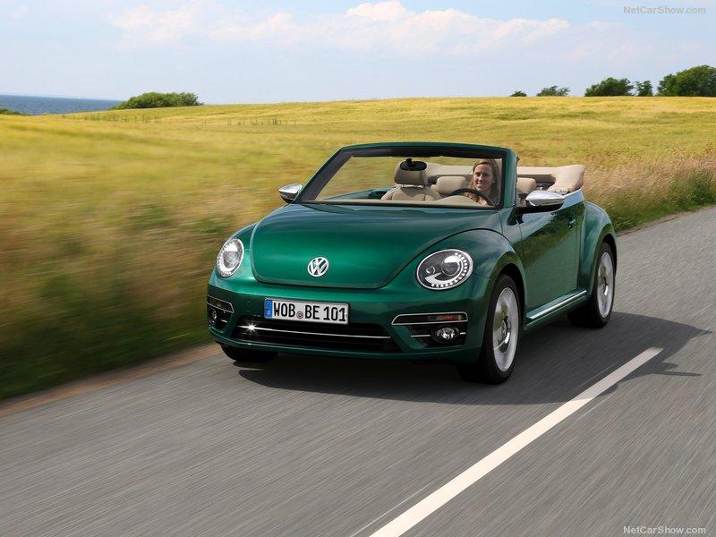 Volkswagen-Beetle-2017-800-12