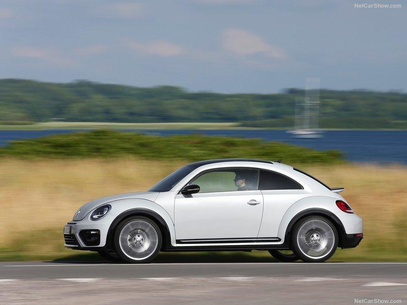 Volkswagen-Beetle-2017-800-16