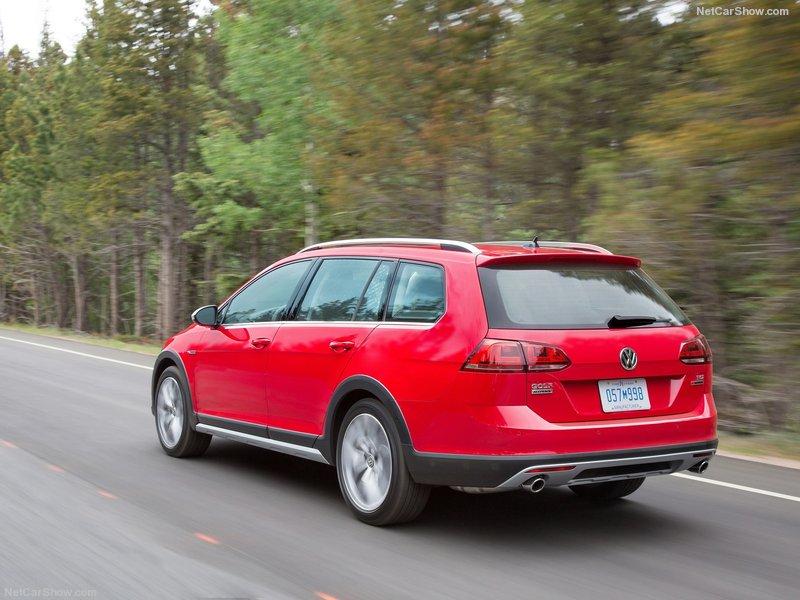Volkswagen-Golf_Alltrack-2017-800-1e