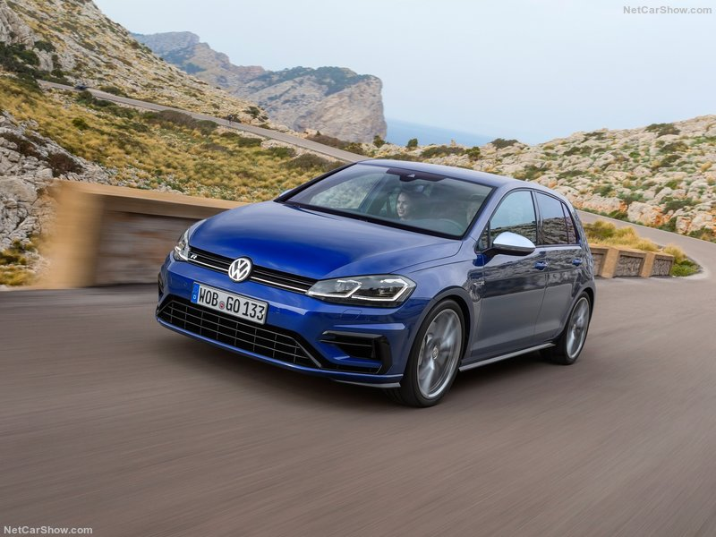 Volkswagen-Golf_R-2017-800-07