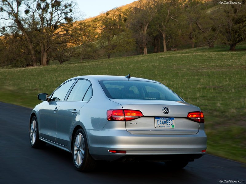Volkswagen-Jetta-2015-800-15