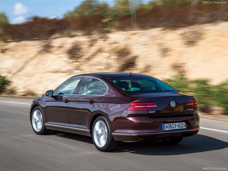 Volkswagen-Passat-2015-800-22