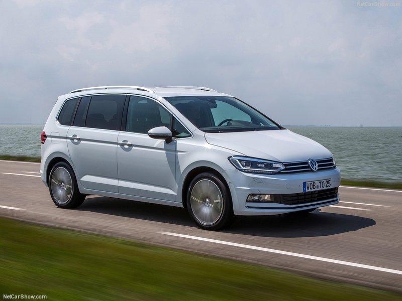 Volkswagen-Touran-2016-800-0a