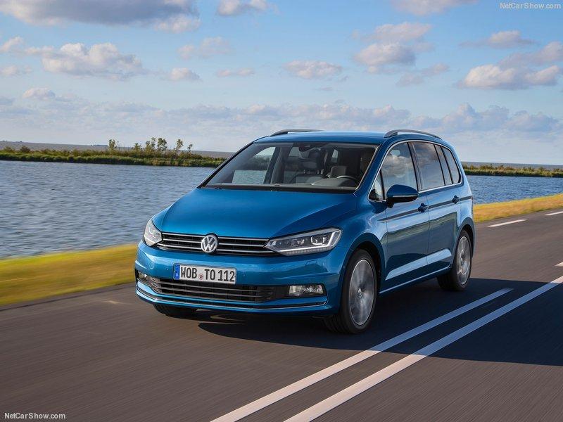 Volkswagen-Touran-2016-800-10