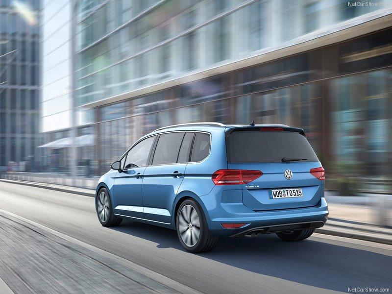 Volkswagen-Touran-2016-800-19