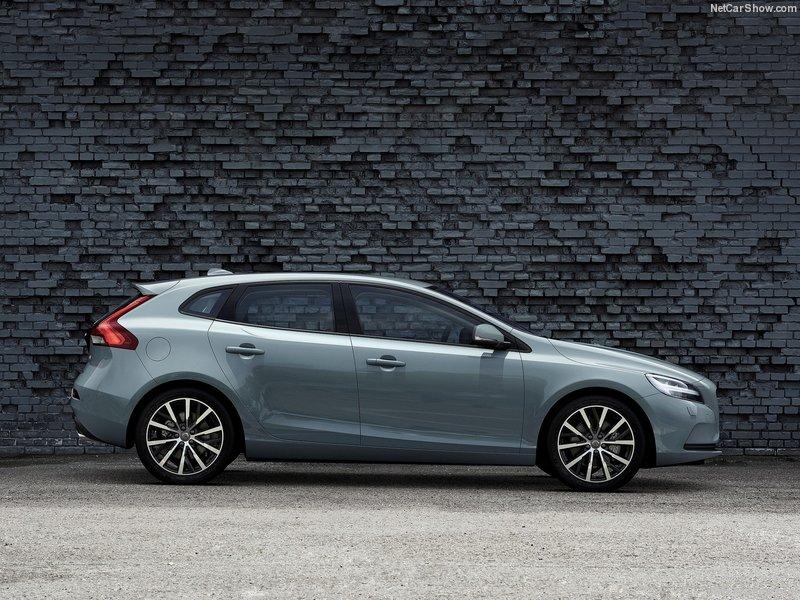 Volvo-V40-2017-800-06