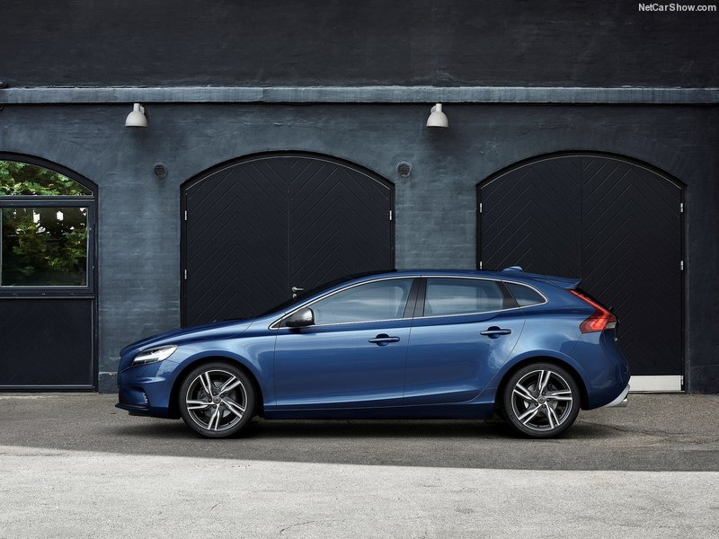 Volvo V40 D2 120ps Cross Country 5dr