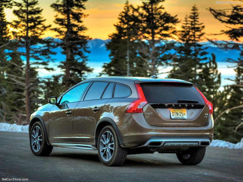 Volvo V60 Sportswagon D2 120 Business Edition 4dr