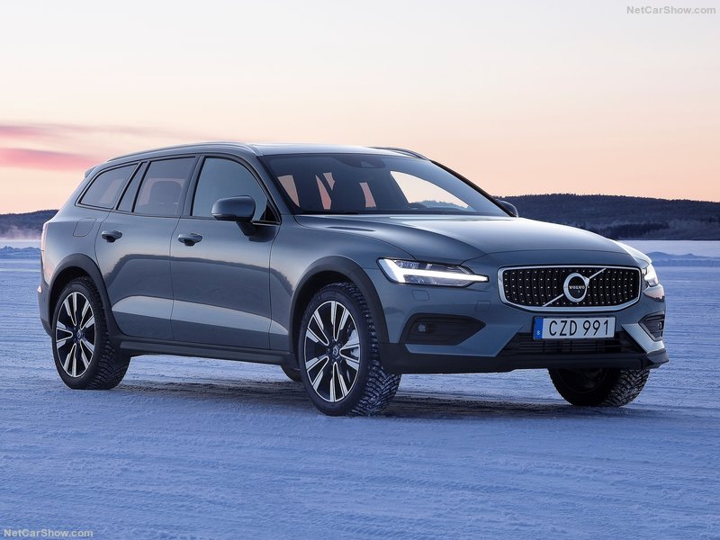 Volvo-V60_Cross_Country-2019-800-01