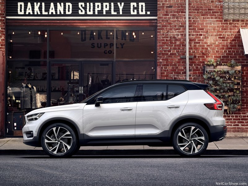 Volvo XC40 2.0 D3 Momentum 5dr