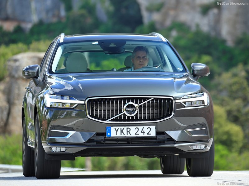Volvo-XC60-2018-800-1f