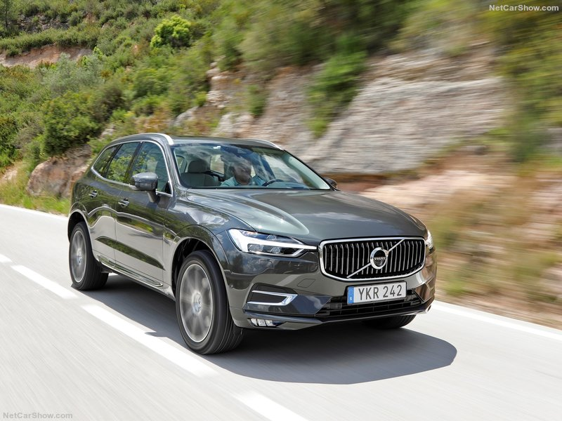 Volvo-XC60-2018-800-2a